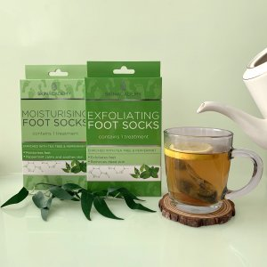 Skin Academy Exfoliating Foot Socks – Tea Tree & Peppermint